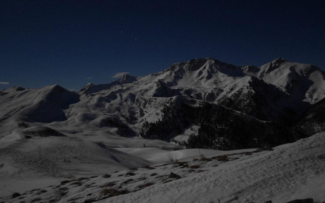 Découvrez nos sorties ski de randonnée sous la pleine lune !